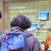Cartel informativo del embalse.